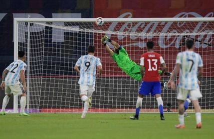 1-1. Con un Bravo estelar, Chile logra un empate ante Argentina