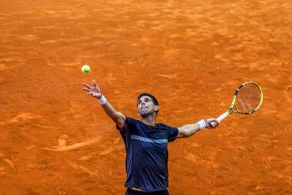 El argentino Delbonis vuela a los octavos de Roland Garros