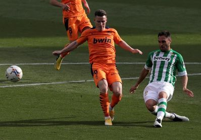 Víctor Ruiz amplía su contrato hasta 2023