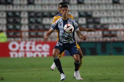 El delantero argentino Mauro Quiroga refuerza al Necaxa del fútbol mexicano