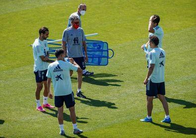 Luis Enrique dirige la primera sesión de Rodrigo, Soler, Brais y Fornals