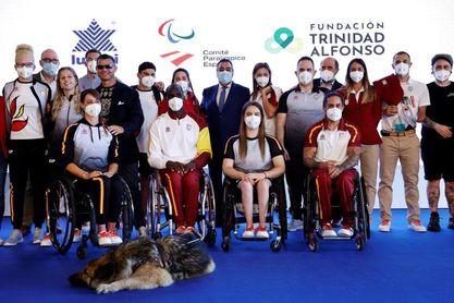 Una Menina de Velázquez y sushi, en la equipación oficial paralímpica española