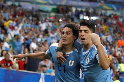 Gómez y Cavani acompañarán en la delantera uruguaya a Suárez en la Copa América
