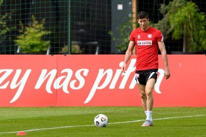 El Bayern recuerda que Lewandowski tiene dos años de contrato