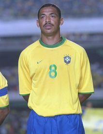 """Vampeta: El sonriente campeón y """"tutor"""" del joven Ronaldinho en Paraguay 99"""