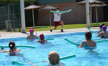 Es momento de hacer deporte en la piscina del SADUS.