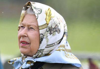 """La reina Isabel II es una """"fanática"""" de las carreras de caballos"""