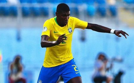 Emerson, ex de Betis, juega en la goleada de Brasil sobre Perú (4-0)