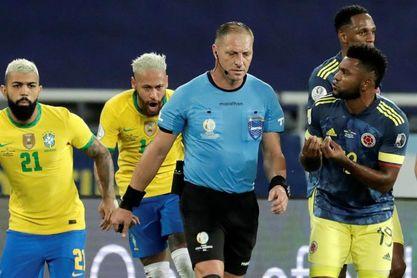 Colombia pide a la Conmebol suspender a Pitana por arbitraje del juego con Brasil