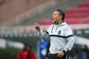 El Huesca elige al técnico mexicano Ignacio Ambriz