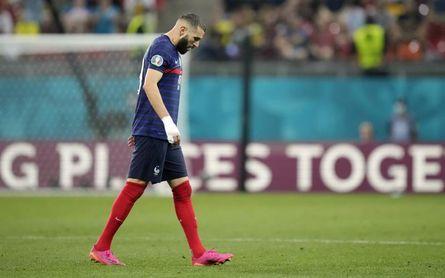 Benzema se va de la Euro igualando a Zidane