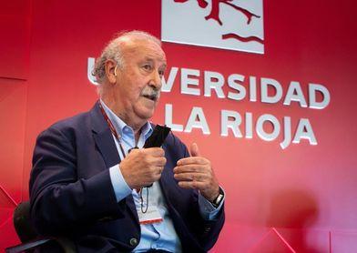 """Del Bosque pide a Luis Enrique """"que no cambie su plan"""" y admite su """"ilusión"""""""