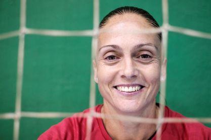 Silvia Navarro defenderá otra temporada la portería del Rocasa Gran Canaria