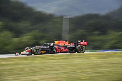 Verstappen 'tripite' y refuerza liderato con un 'Grand Chelem'