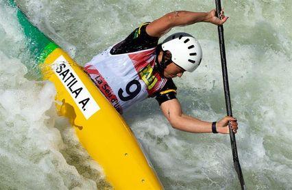 La palista Ana Sátila es la primera atleta brasileña en desembarcar en Tokio