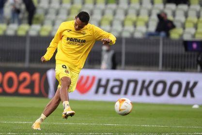 El colombiano Carlos Bacca abandona el Villarreal