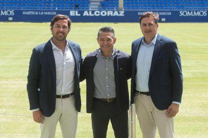 """Nacho Ambriz: """"Se cumple un sueño y estoy feliz de estar en el Huesca"""""""