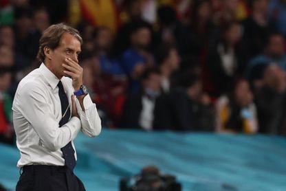 Sin miedo y sin distracciones, la prensa anima a Italia de cara a la final