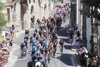 El Tour suma 35 abandonos al comienzo de la decimocuarta etapa