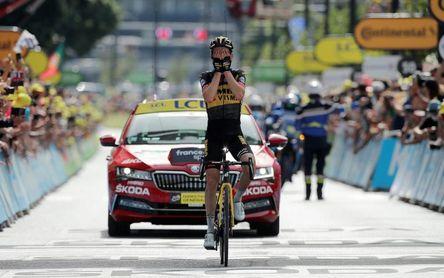 Kuus deja a Valverde con la miel en los labios, Pogacar manda de amarillo