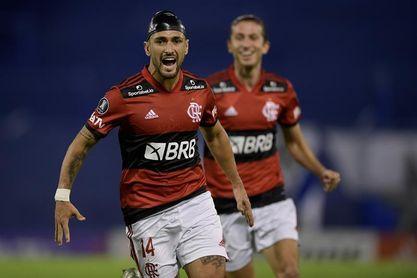 Flamengo vence con regreso de titulares y comienza a reducir distancias