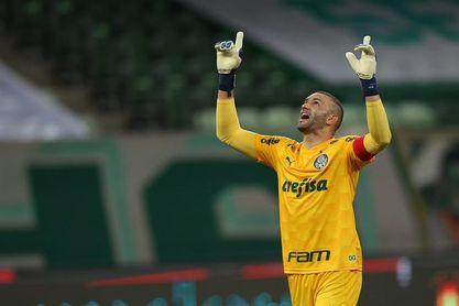 El Palmeiras recupera al portero Weverton antes de viajar a Chile
