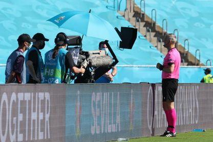 El VAR tuvo un 100 % de acierto y la UEFA ve correcto el penalti a Sterling