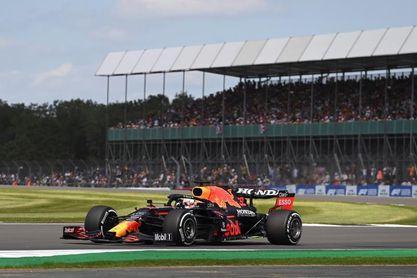 Verstappen lideró el primer libre en Silverstone; Hamilton a casi ocho décimas