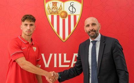 El Sevilla FC renueva una de sus perlas, José Ángel Carmona
