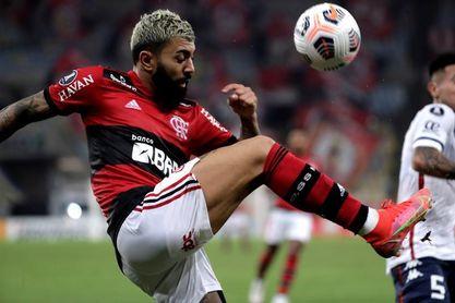 Flamengo busca un empate ante Defensa y Justicia para clasificarse a cuartos