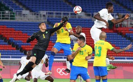 Diego Carlos juega 90 minutos en el empate de Brasil contra Costa de Marfil