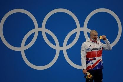El británico Peaty revalida el título en los 100 braza