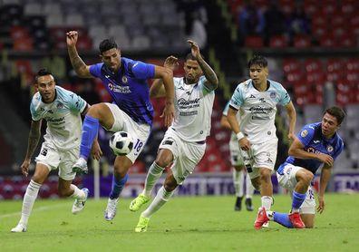 El Mazatlán del español San José venció al campeón Cruz Azul en su casa