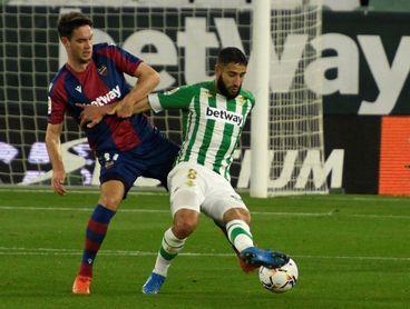 El Levante enseña a Hernani, León y Vukcevic la puerta de salida
