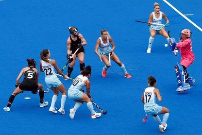 Las argentinas se clasifican para las semifinales con un paseo ante Alemania