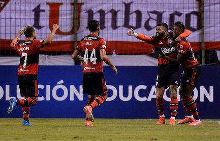 Flamengo derrota a domicilio al Corinthians y Palmeiras sigue líder en Brasil