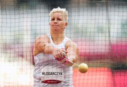 Wlodarczyk primera mujer de la historia con tres oros en una sola prueba