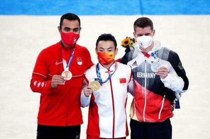 Zou y Hashimoto ganan los dos últimos oros masculinos