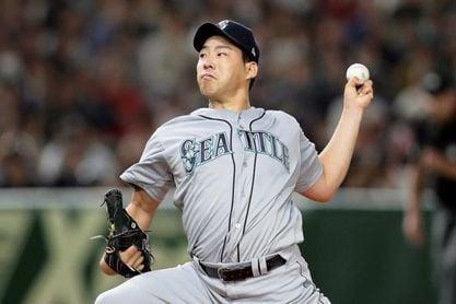 El japonés Kikuchi controla con su serpentina a los Rays