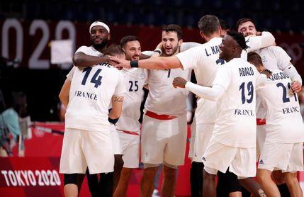 Francia espera en la final al ganador del España-Dinamarca