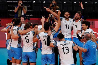 Argentina vuelve al podio de voleibol con un bronce ganado a bocados a Brasil