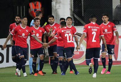 Independiente sigue líder, con Racing y River otra vez en carrera