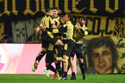 Bragantino, Athlético Paranaense, Libertad y Peñarol, a semifinales