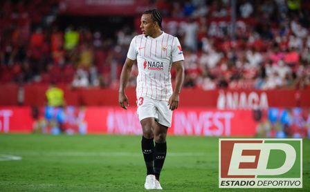 Koundé no viaja con el Sevilla FC a Elche, pero no por lo que todos piensan