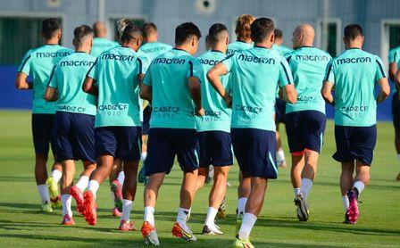 Cádiz CF-Osasuna: Hora de marcar territorio ante un espejo (Previa y posibles onces)