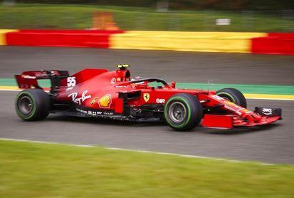 Verstappen delante de 'Checo' en el último libre; Alonso, décimo y Sainz, 14