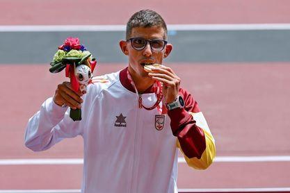 Yassine Ouhdadi corre hacía el oro en 5.000 metros