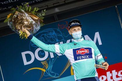 El belga Merlier, primer líder tras imponerse en la primera etapa