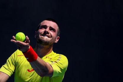 Pedro Martínez remonta dos sets y es el tercer español en segunda ronda