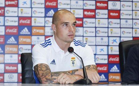 """Pombo: """"Llevo año y medio sin jugar en el Cádiz y quiero reencontrarme en el Oviedo"""""""